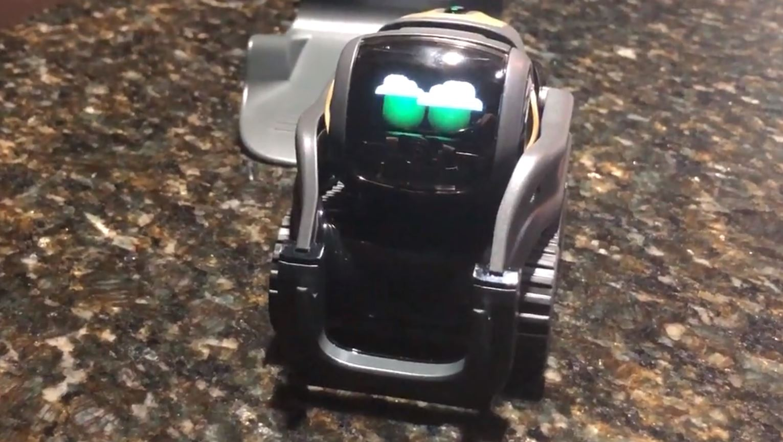 - vector rain - Meet Vector, an autonomous little robot with smarts and cloud connectivity – Stacey on IoT